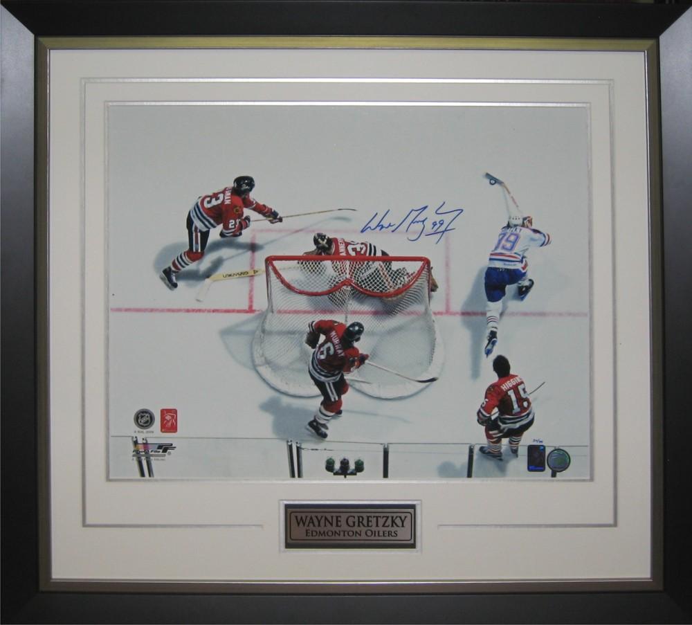 Wayne Gretzky Signed 16