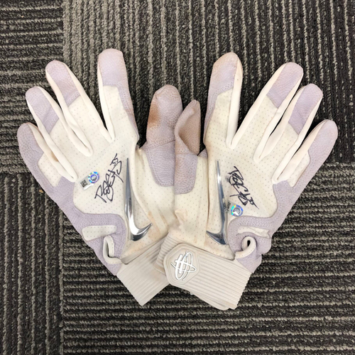 Photo of Team-Issued Autographed Batting Gloves - #35 Brandon Crawford