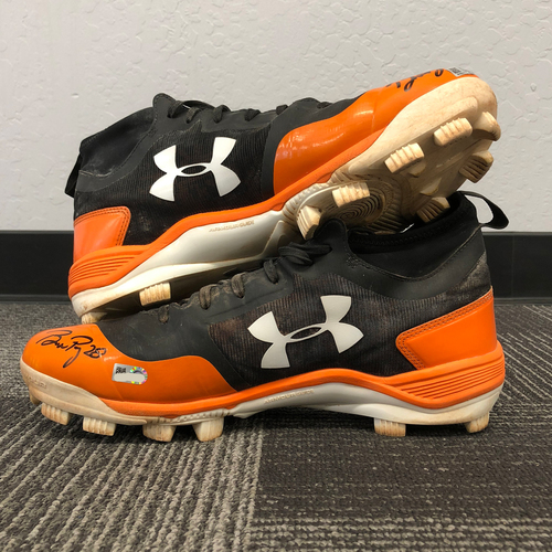 Photo of San Francisco Giants - Autographed Cleats - Buster Posey (size 11.5)