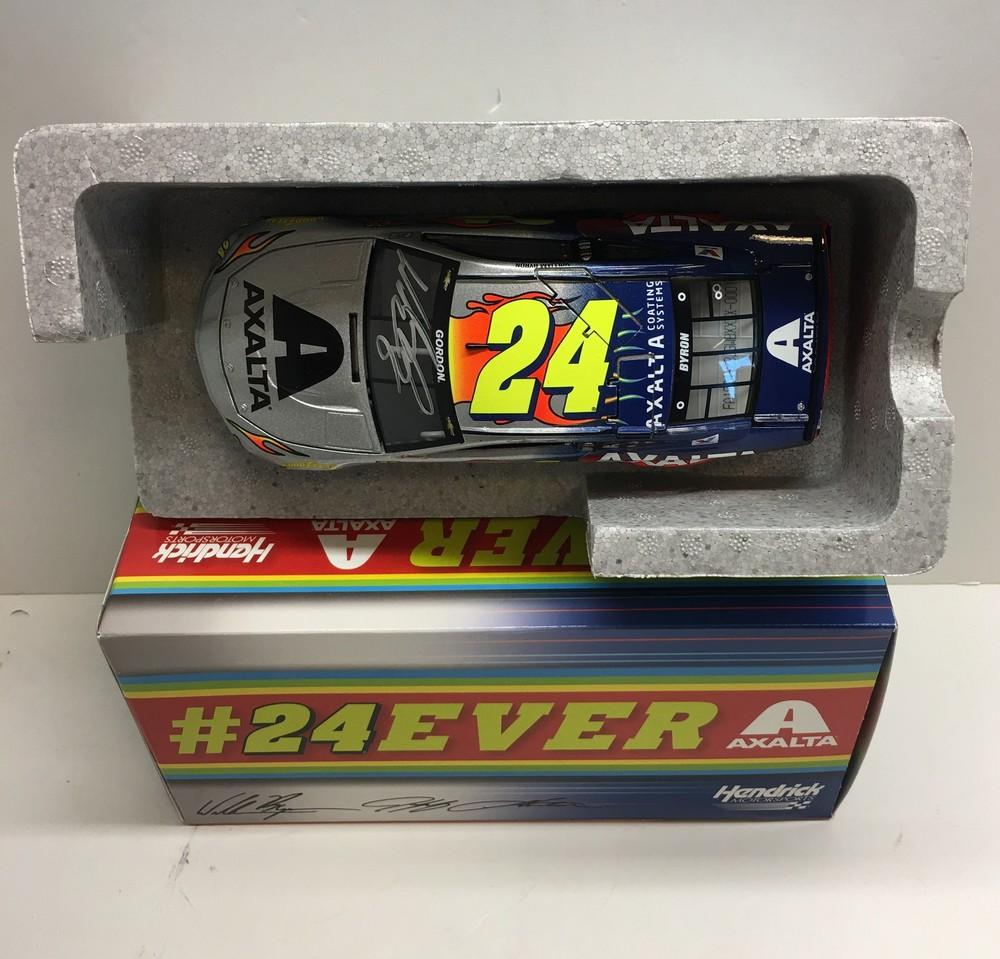 NASCAR's William Byron autographed Axalta/24EVER diecast!