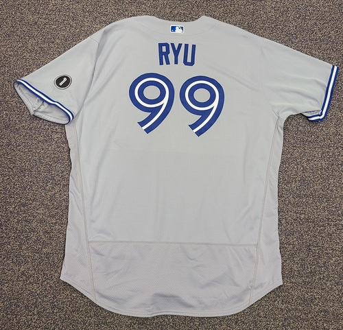 Photo of Authenticated Team Issued Jersey: #99 Hyun-Jin Ryu (2020 Season). Set 3. Size 54.