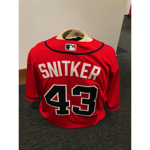 Photo of Brian Snitker 2019 Atlanta Braves Game-Used Los Bravos Day Jersey