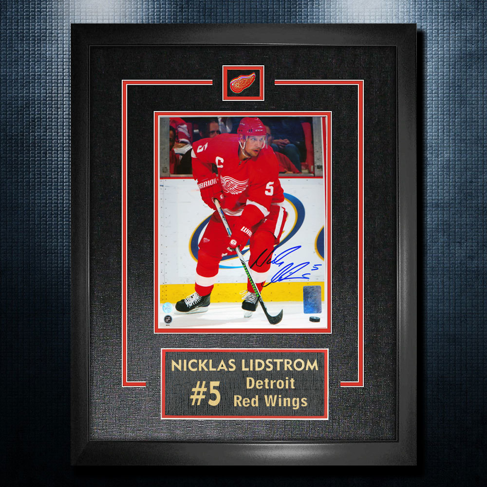 Nicklas Lidstrom Detroit Red Wings Autographed 18x22 Frame