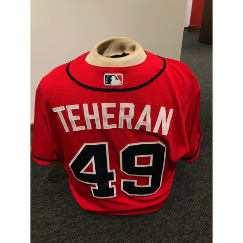 Photo of Julio Teheran 2019 Atlanta Braves Game-Used Los Bravos Day Jersey