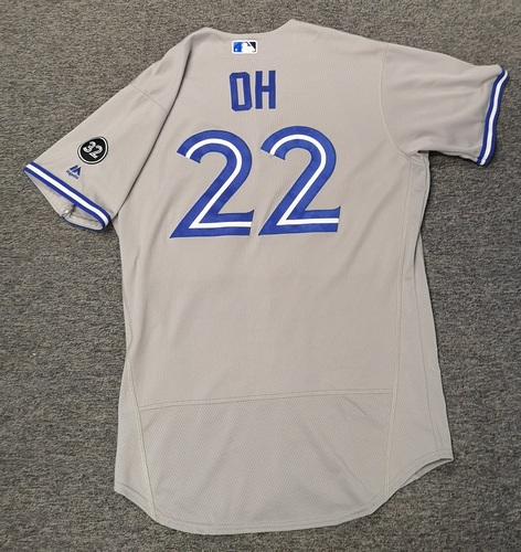 Photo of Authenticated Game Used Jersey - #22 Seung-Hwan Oh (Apr 6, 18: 0.2 IP, 2 Hits, 1 ER). Size 44
