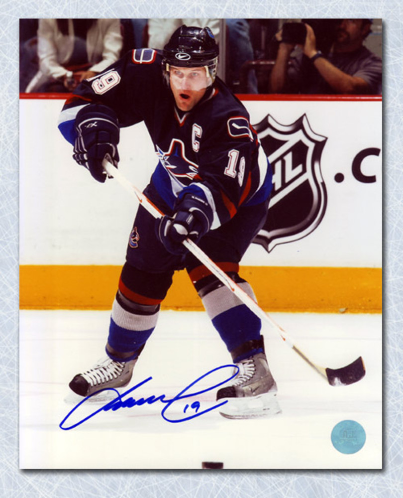Markus Naslund Vancouver Canucks Autographed Playmaker 8x10 Photo