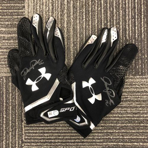 Photo of Team-Issued Autographed Batting Gloves - #12 Joe Panik