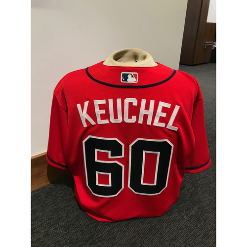 Photo of Dallas Keuchel 2019 Atlanta Braves Game-Used Los Bravos Day Jersey