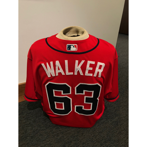 Photo of Jeremy Walker 2019 Atlanta Braves Game-Used Los Bravos Day Jersey