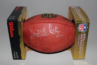 NFL - CHIEFS DONNIE EDWARDS SIGNED AUTHENTIC FOOTBALL