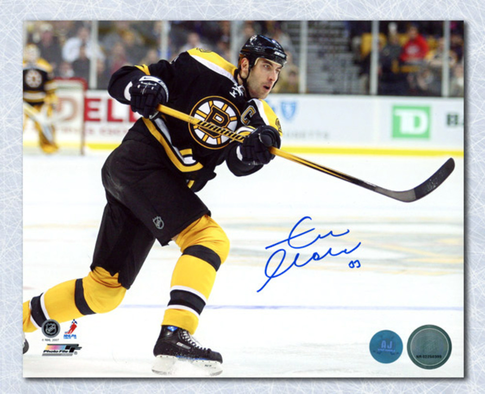Zdeno Chara Boston Bruins Autographed Hockey Captain 8x10 Photo