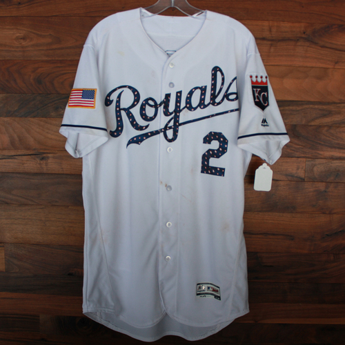 Photo of Game-Used Stars and Stripes Jersey: Alcides Escobar 1,313th Career Hit (Size 44 - CLE @ KC - 7/4/18)