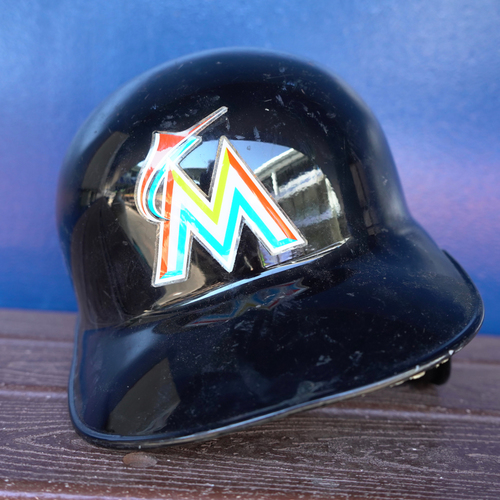 Photo of Team-Issued Helmet: Giancarlo Stanton - 2016 Season - Size 7 3/4