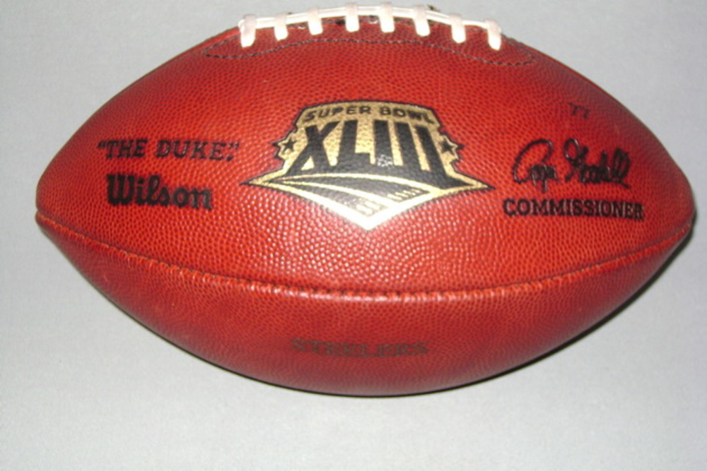 NFL - SUPER BOWL XLIII GAME USED FOOTBALL (STEELERS OFFENSE)