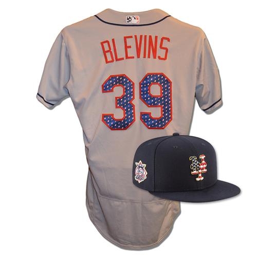 Photo of Jerry Blevins #39 - Game Used 4th of July Jersey and Hat - Blevins .2 IP, 0 ER, 1 K - Mets vs. Blue Jays - 7/4/18