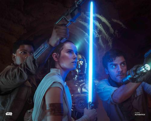 Rey, Poe Dameron, Finn and C-3PO