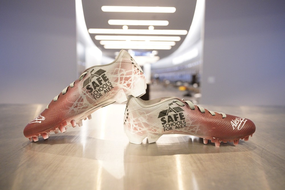 MY CAUSE MY CLEATS - DALLAS COWBOYS ALLEN HURNS GAME WORN CUSTOM CLEATS (SAFE SCHOOLS FOR ALEX)