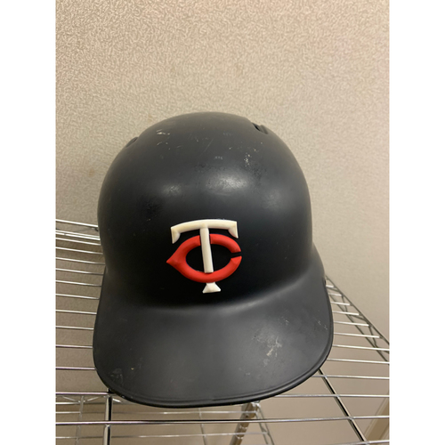 Photo of 2018 Willians Astudillo #64 Game Used Helmet