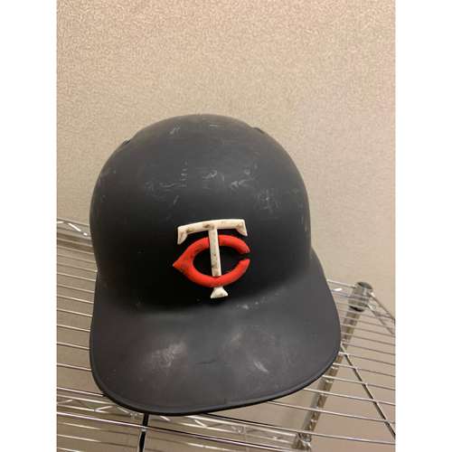 Photo of 2019 Jonathan Schoop #16 Game-Used Helmet