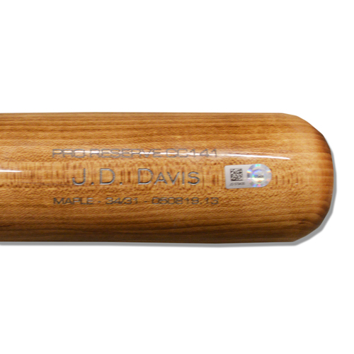 Photo of J.D. Davis #28 - Game Used Cracked Beige/Brown Victus Bat with Blue and White Lizard Skin - Mets vs. Nationals - 5/20/2019