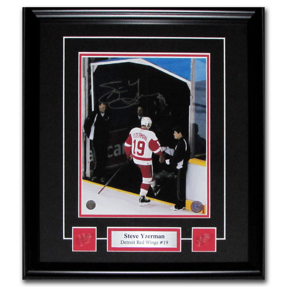 Steve Yzerman Autographed Detroit Red Wings Framed 8X10 Photo