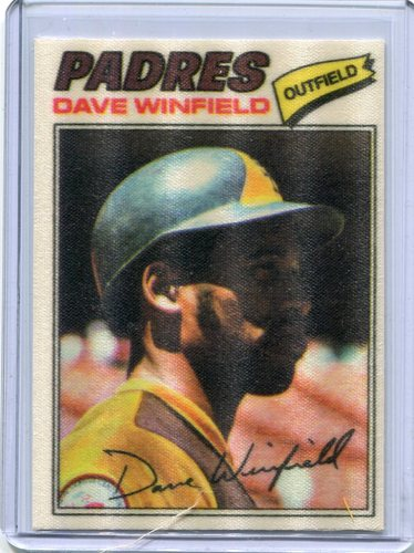 Photo of 1977 Topps Cloth Stickers #52 Dave Winfield