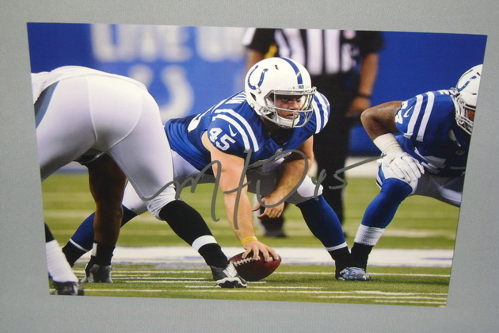 COLTS - MATT OVERTON SIGNED 8X10 PHOTO