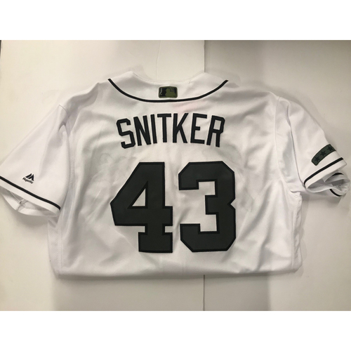 Brian Snitker Game-Used Memorial Day Jersey - Worn 5/28/18 - 2018 NL Manager of the Year