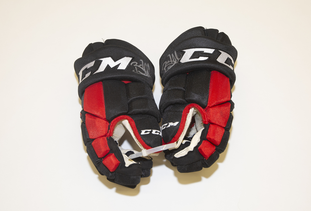 Brent Seabrook Game Used Gloves