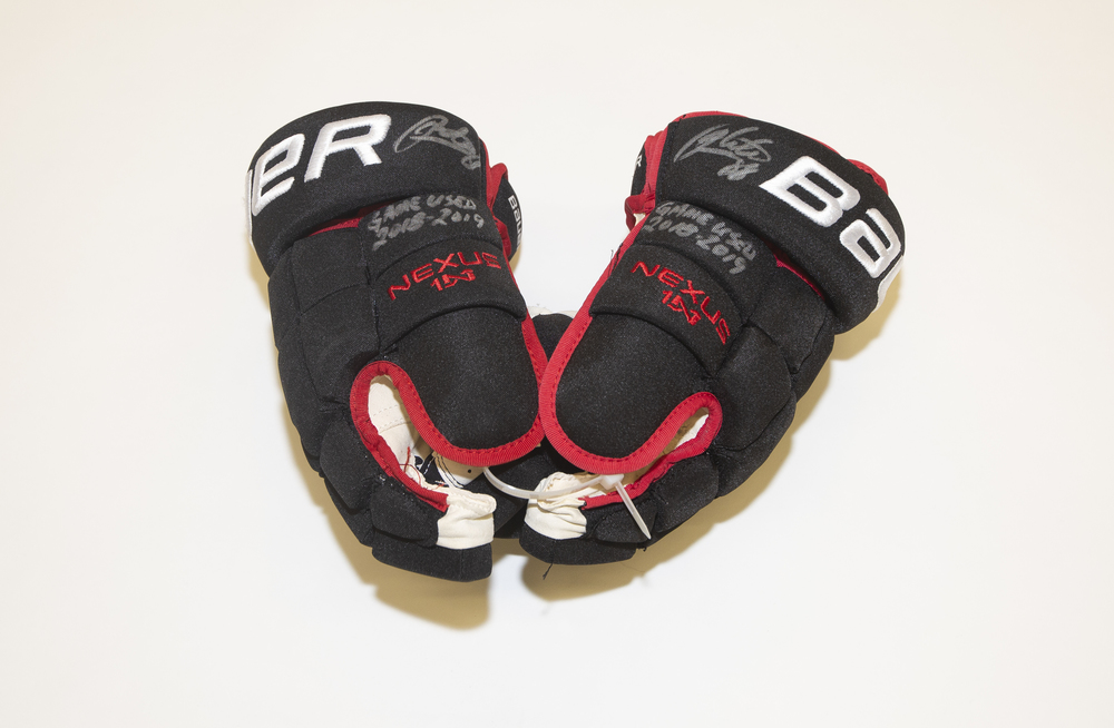 Patrick Kane Game Used Gloves