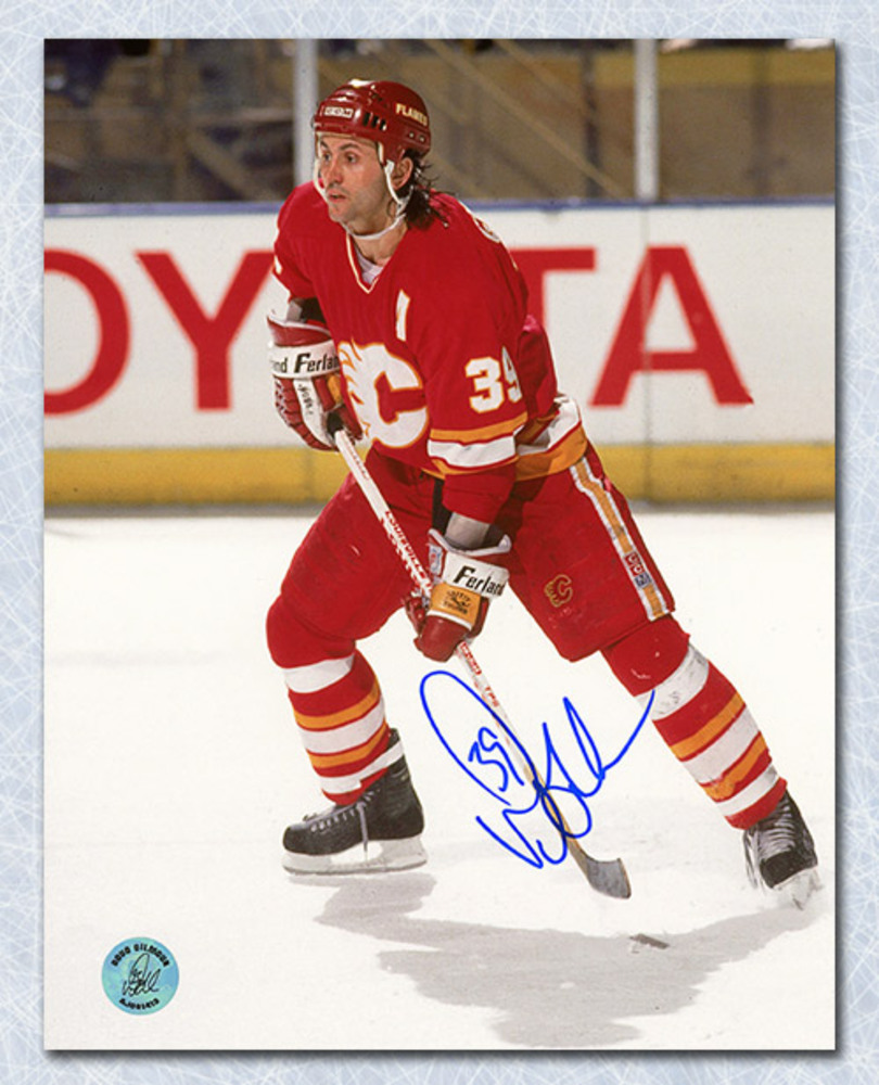 Doug Gilmour Calgary Flames Autographed Action 8x10 Photo