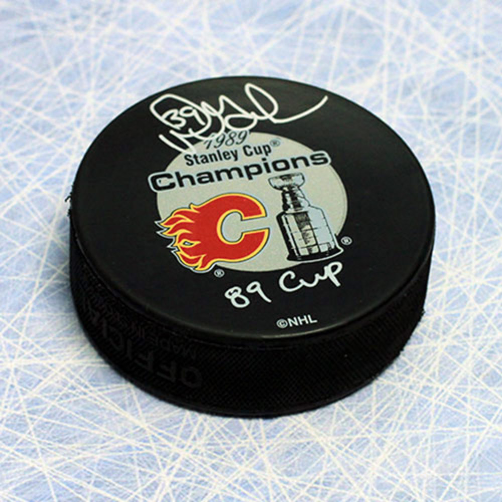 Doug Gilmour Calgary Flames Signed & Inscribed 1989 Stanley Cup Puck