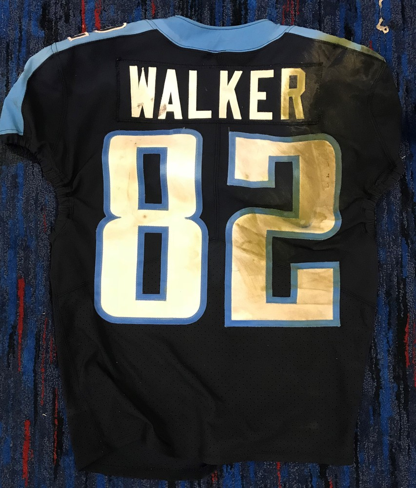 STS - TITANS DELANIE WALKER GAME WORN JERSEY (NOVEMBER 12, 2017)