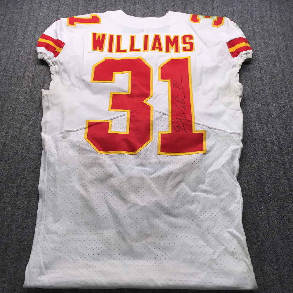 STS - Chiefs Darrel Williams Signed Game Used Jersey Size 40 (11/10/19)