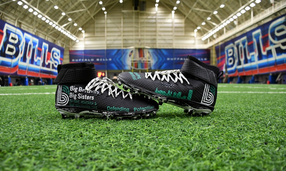 MY CAUSE MY CLEATS -  CHARLES CLAY GAME WORN CUSTOM CLEATS
