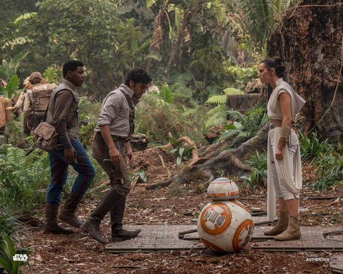 Rey, Poe Dameron, Finn and BB-8