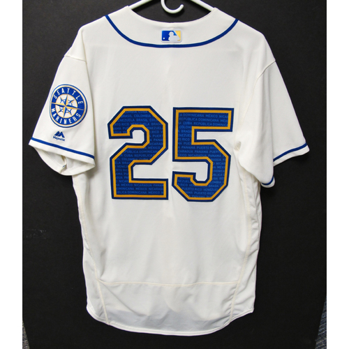 Photo of Seattle Mariners Dylan Moore Game-Used Marineros Jersey (Salute to Latin American) 9-15-2019