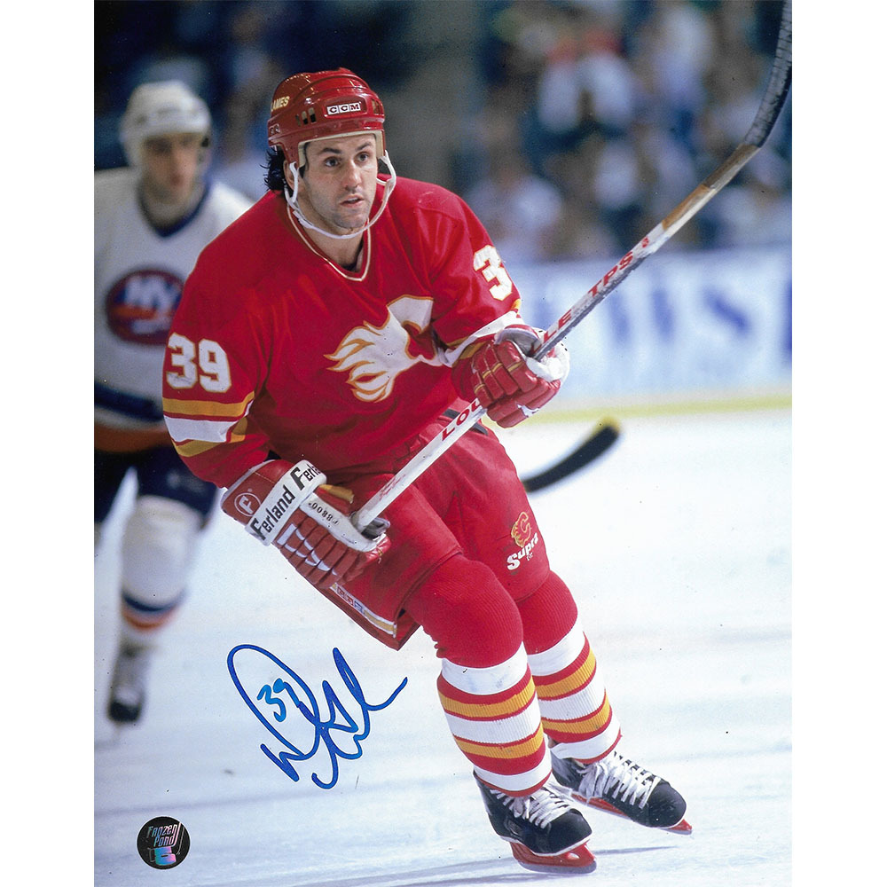 Doug Gilmour Autographed Calgary Flames 8X10 Photo