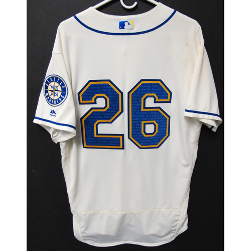 Photo of Seattle Mariners Sam Tuivailala Game-Used Marineros Jersey (Salute to Latin American) 9-15-2019