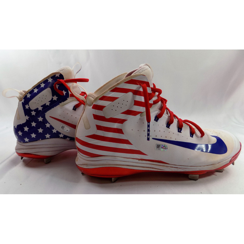 Photo of Robinson Chirinos Game-Used 2018 Stars & Stripes Cleats - Worn on 7/4/18