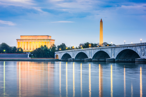 Clickable image to visit The Best Monuments and Meals in Washington D.C.