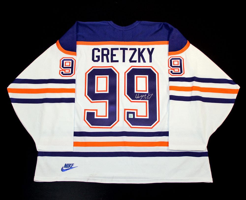 the best attitude 77d79 5ef65 Wayne Gretzky #99 - Autographed Edmonton Oilers Vintage ...