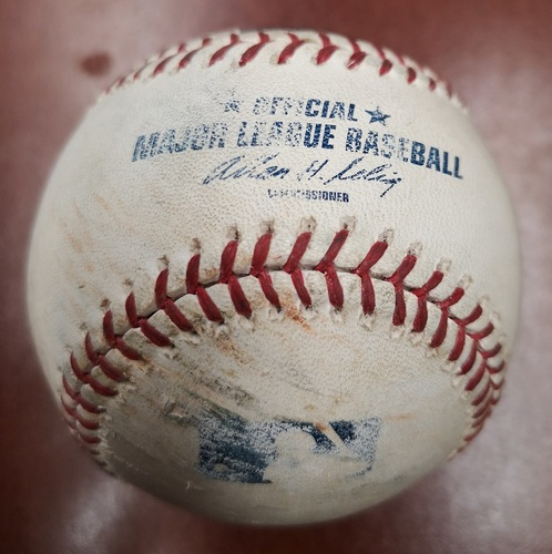 Photo of Authenticated Game Used Baseball - Single by Vernon Wells against J.A. Happ (Sept 18, 13 vs NYY). Top 4. From Mariano Rivera's Final Career Save Game, setting All-time Save Record at 652.