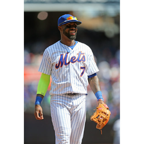 Photo of Amazin' Auction: Play catch on the field with Jose Reyes before a Mets Home Game