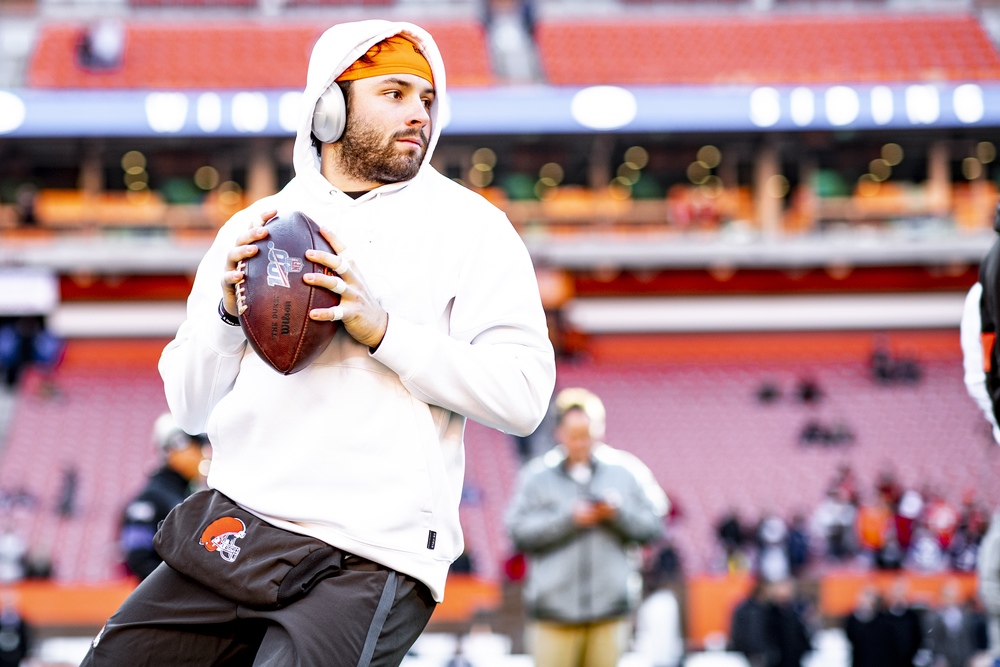 Browns- In The Huddle With Baker Mayfield (For your favorite Youth / High School Football Team)