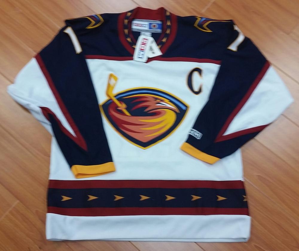 ILYA KOVALCHUK Autographed Atlanta Thrashers CCM Retro Hockey Jersey ... 0db0d774b