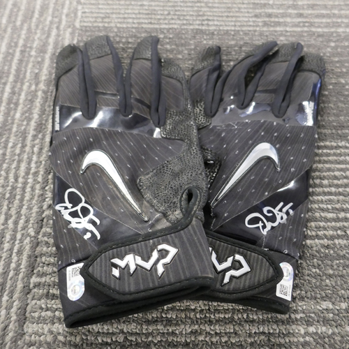 Photo of San Francisco Giants - Autographed Batting Gloves - Denard Span (pair)