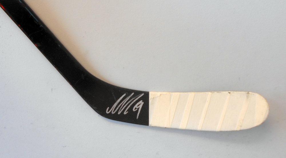 f8e8337f7  19 Nicklas Backstrom Game Used Stick - Autographed - Washington Capitals