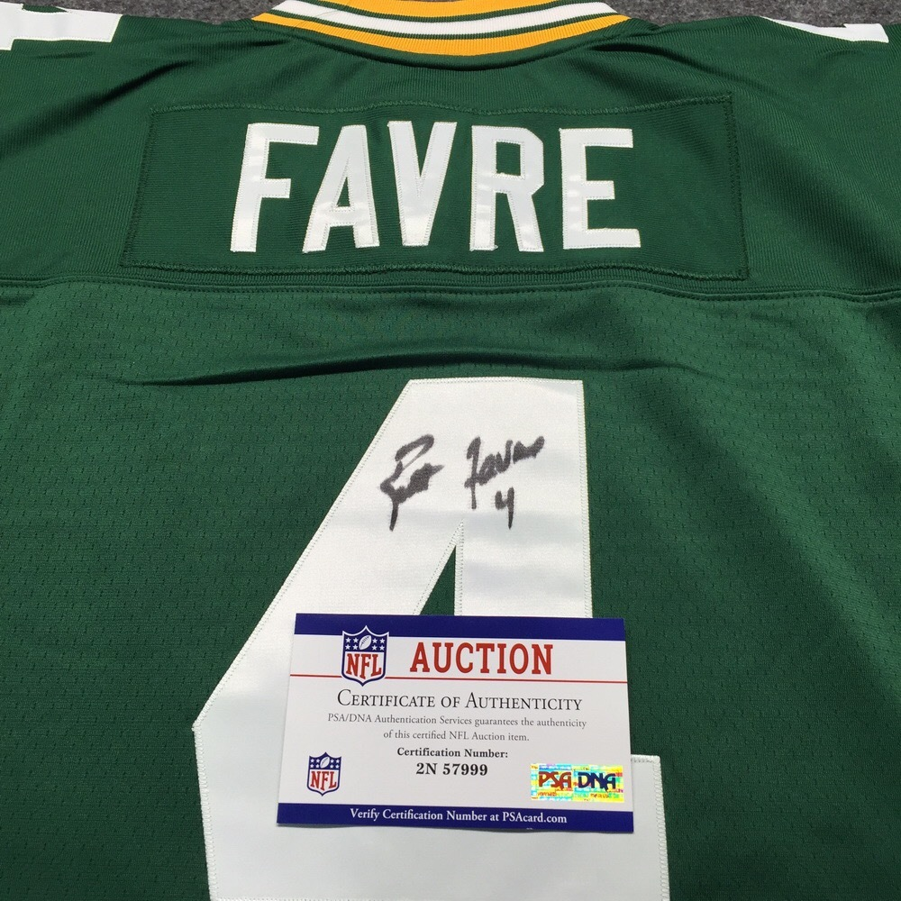 premium selection 6bc15 f017c NFL Auction   PCC - Brett Favre Signed Green Bay Packers ...