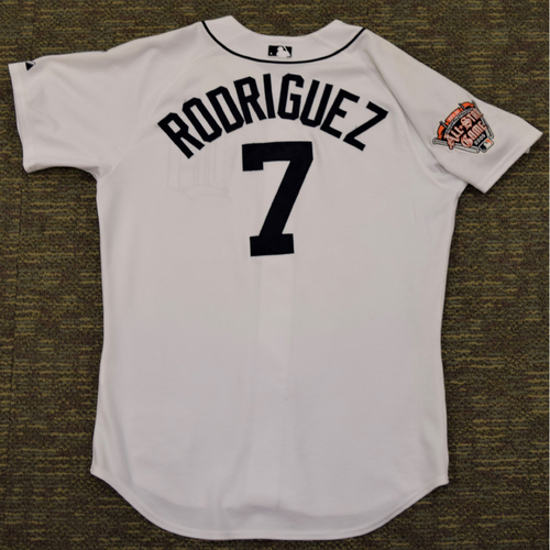 Photo of Ivan Rodriguez Detroit Tigers #7 Home Jersey with 2005 All Star Game Patch (NOT MLB AUTHENTICATED)